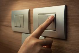 Włączniki światła, kontakty elektryczne – jakie wybrać?