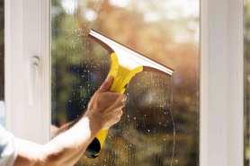 Jak sprawnie i dokładnie myć okna, aby jak najdłużej utrzymać je w czystości