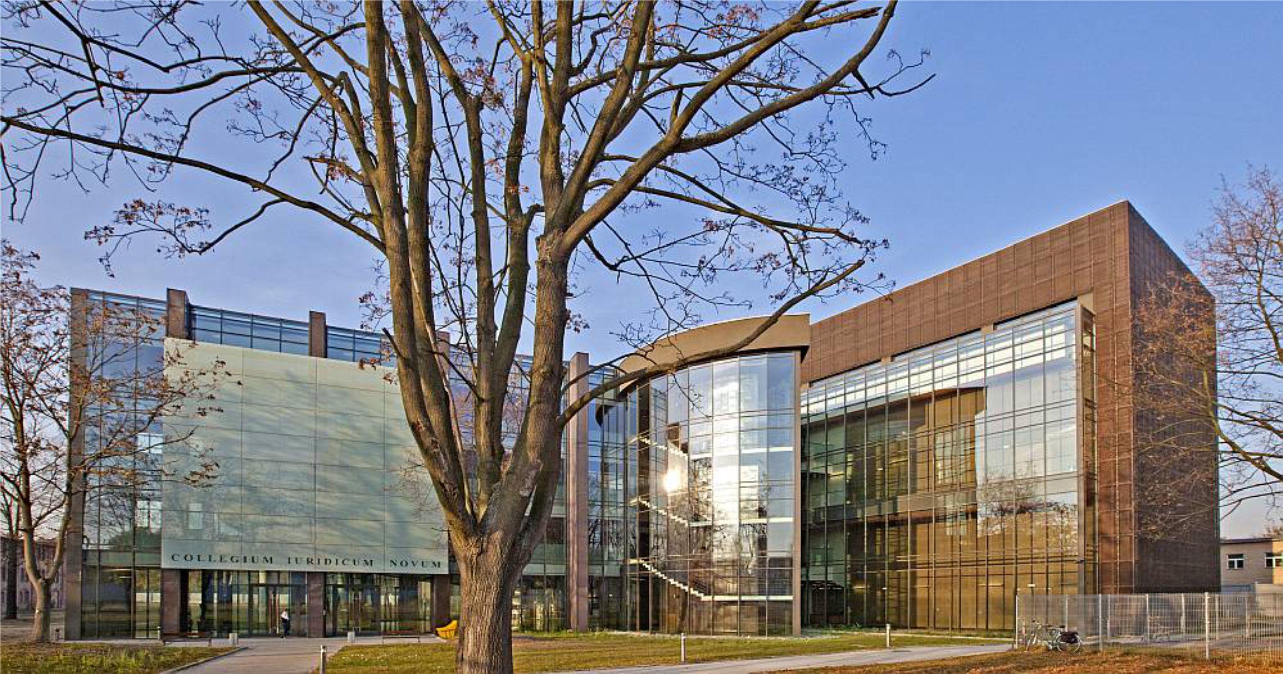 czy-zastosowanie-welny-mineralnej-do-ocieplenia-budynku-w-technologii-fasady-wentylowanej-to-dobra-propozycja-co-za-nia-przemawia