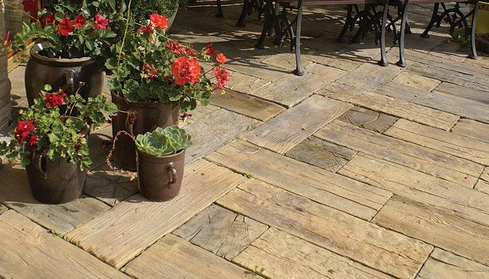 bruk-drewniany-niestandardowe-nawierzchnie-ogrodowe