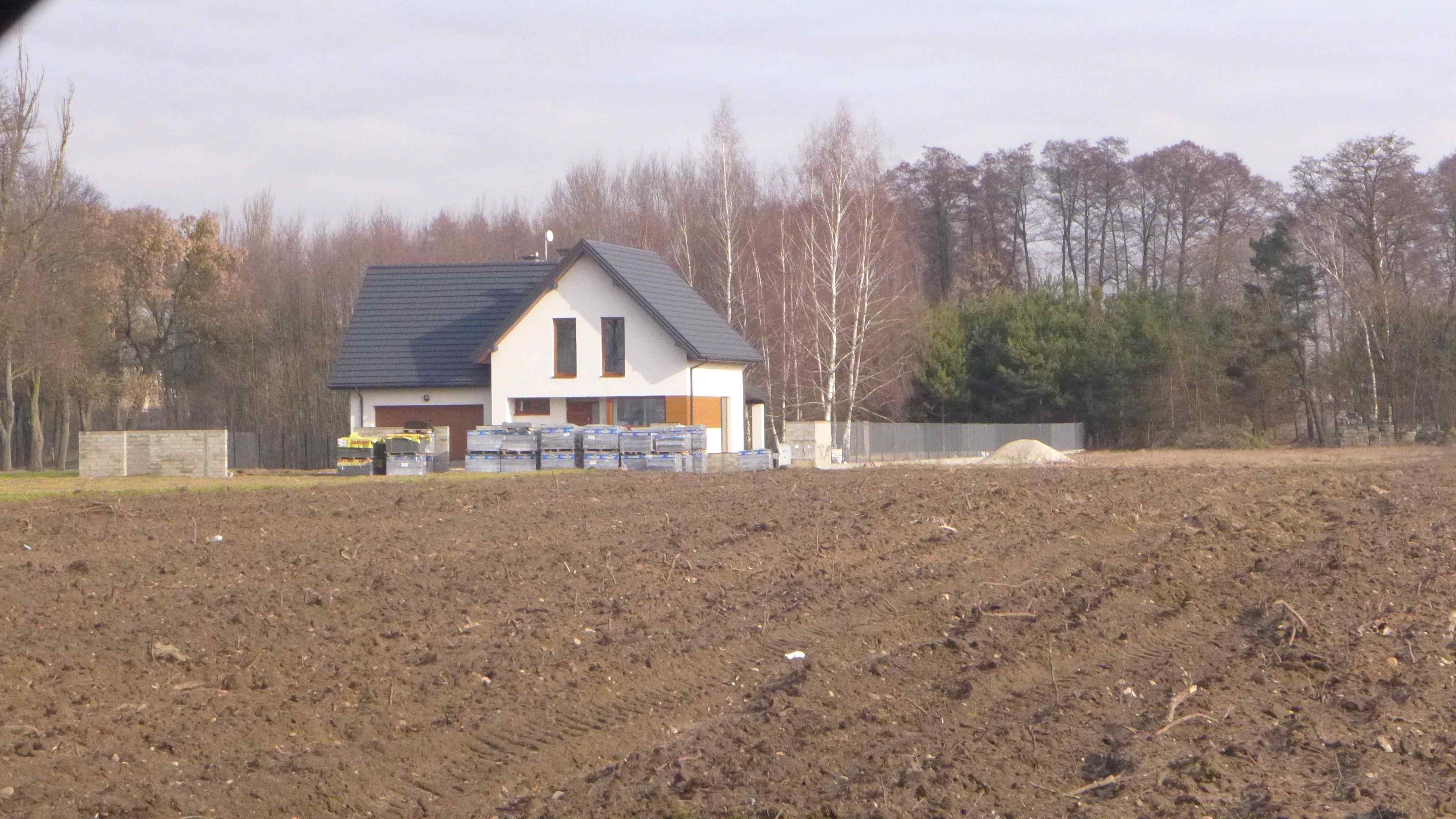 budowa-domu-na-lesnej-dzialce-jak-uzyskac-pozwolenie-na-budowe