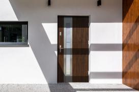 Drzwi stalowo-drewniane – dlaczego warto?