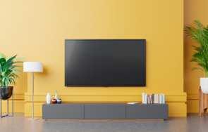 Jak zamontować telewizor – uchwyty i wieszaki TV
