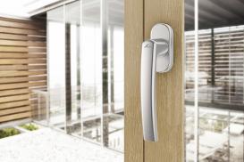 Jak dobrać klamkę do okien