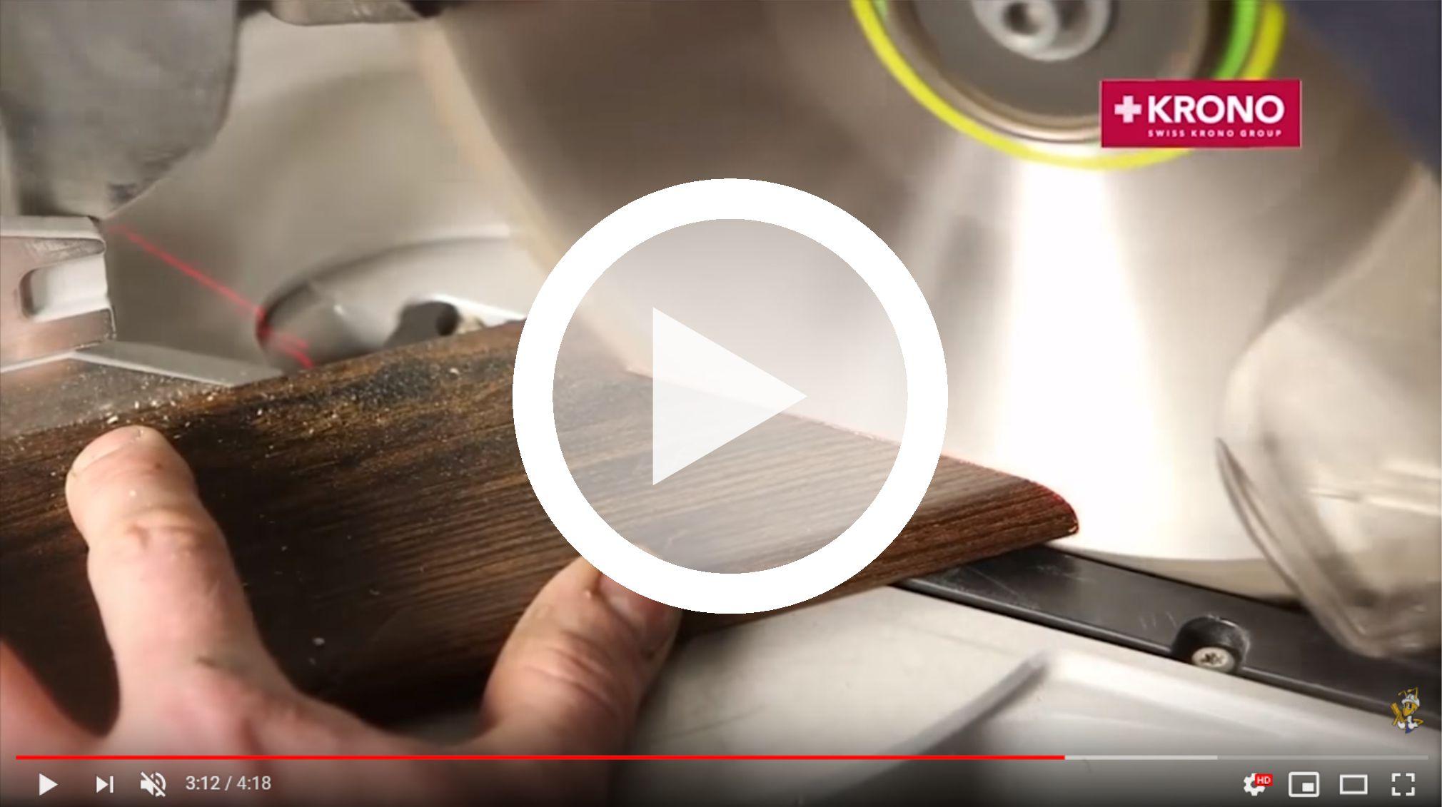 montaz-cokolu-przypodlogowego-p85-kronopol