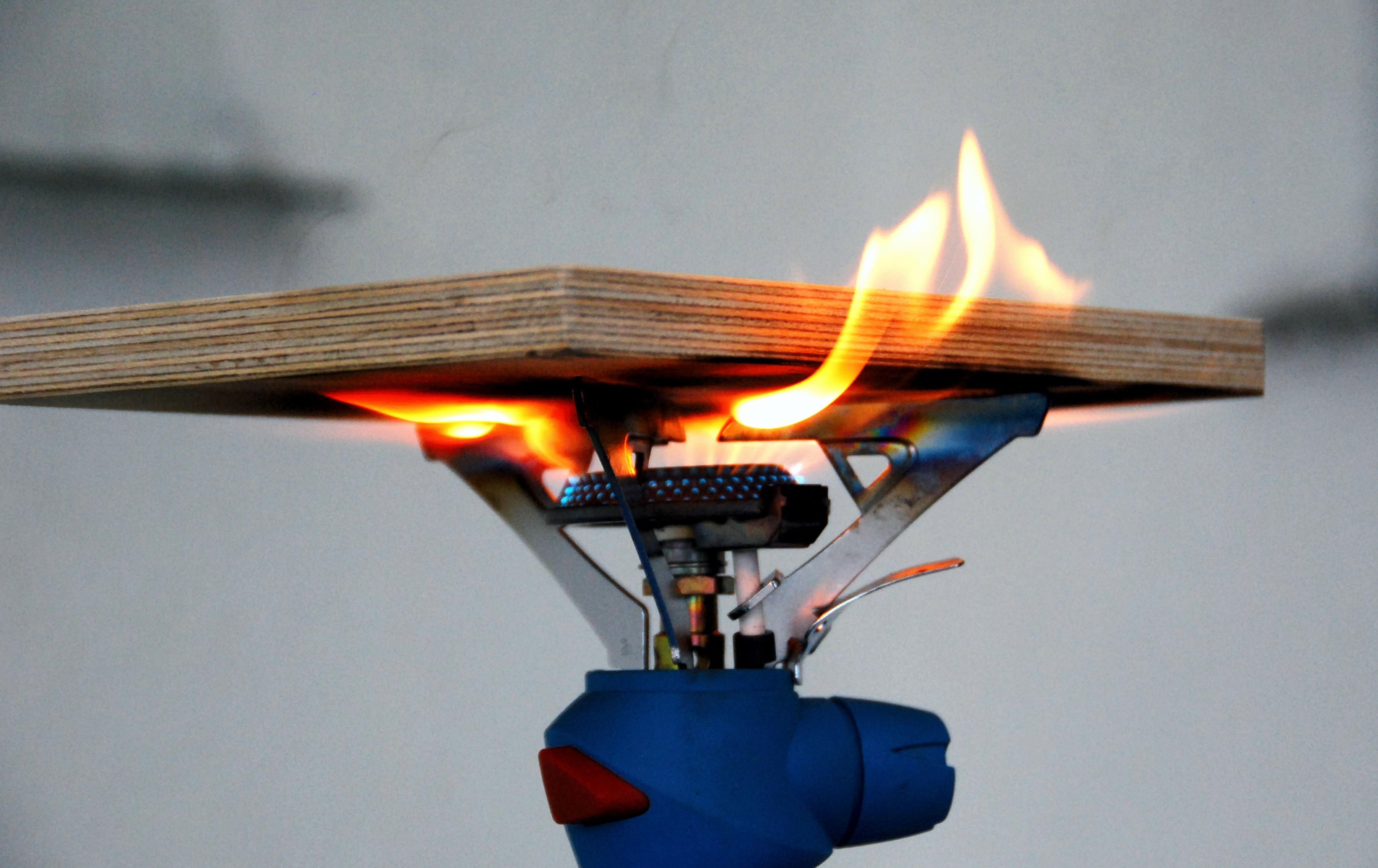 sklejka-eko-fire-protect-wyzszy-poziom-bezpieczenstwa-i-ochrony-przed-ogniem