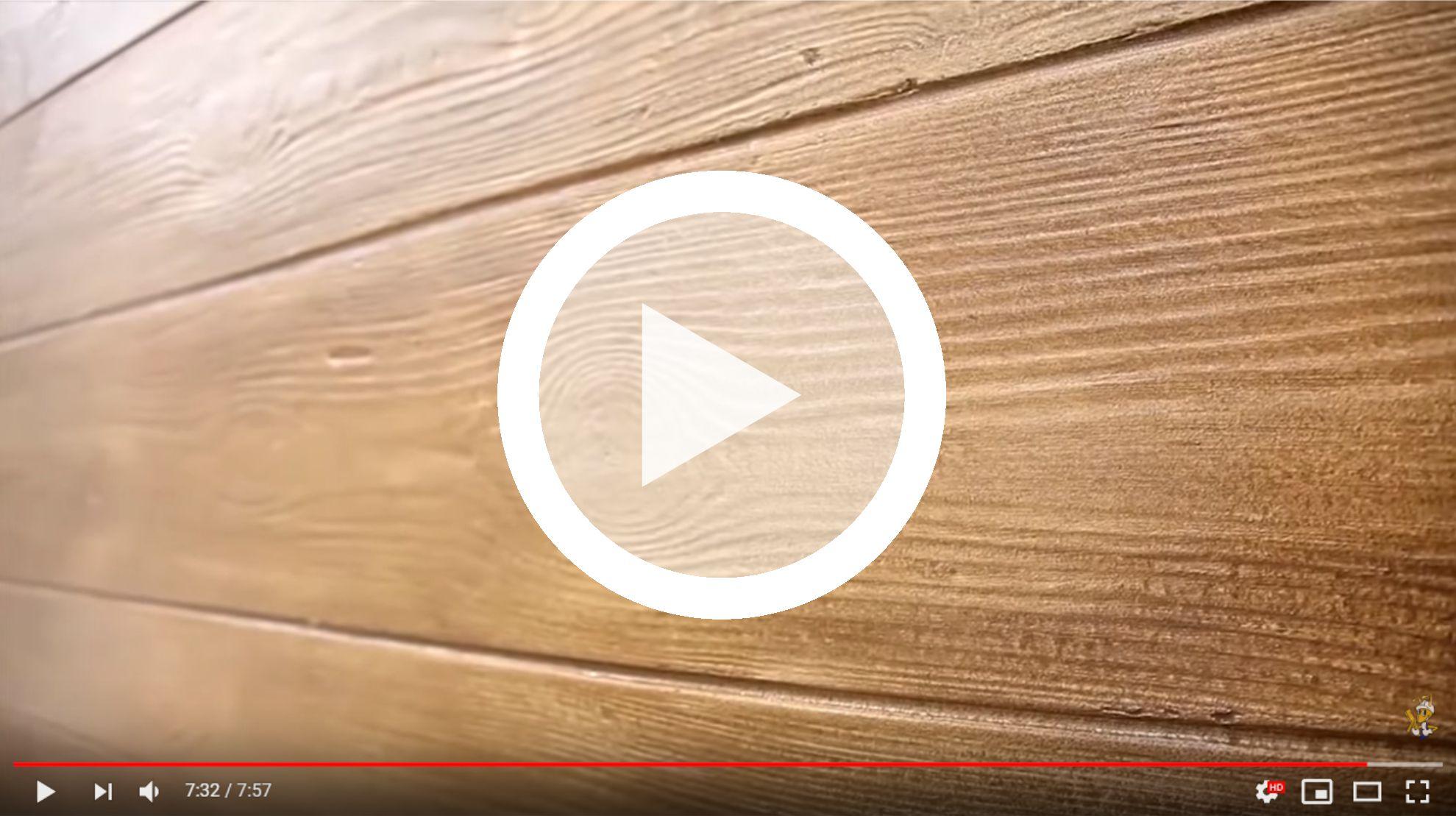 tynk-dekoracyjny-o-strukturze-drewna