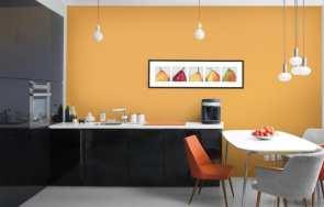 Malowanie ścian kuchni i łazienki – farby i narzędzia malarskie