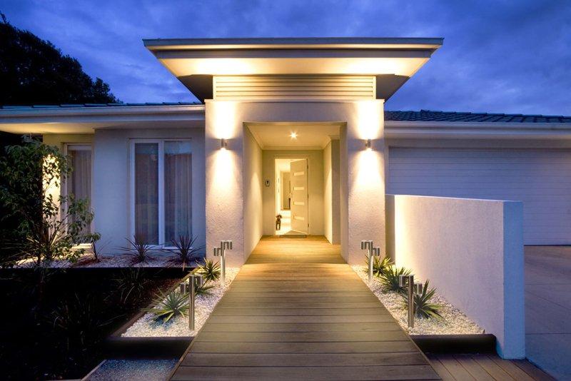 oprawy-oswietleniowe-odpowiednie-na-elewacje-domu