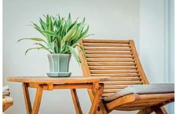 Jak przygotować drewniane meble ogrodowe na wiosnę?