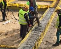 Wykonywanie szalunków ław i stóp fundamentowych