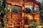 Jak zadbać o taras i altanę? Impregnacja i konserwacja elementów drewnianych