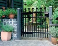 Czym i jak odnowić metalowe ogrodzenie?