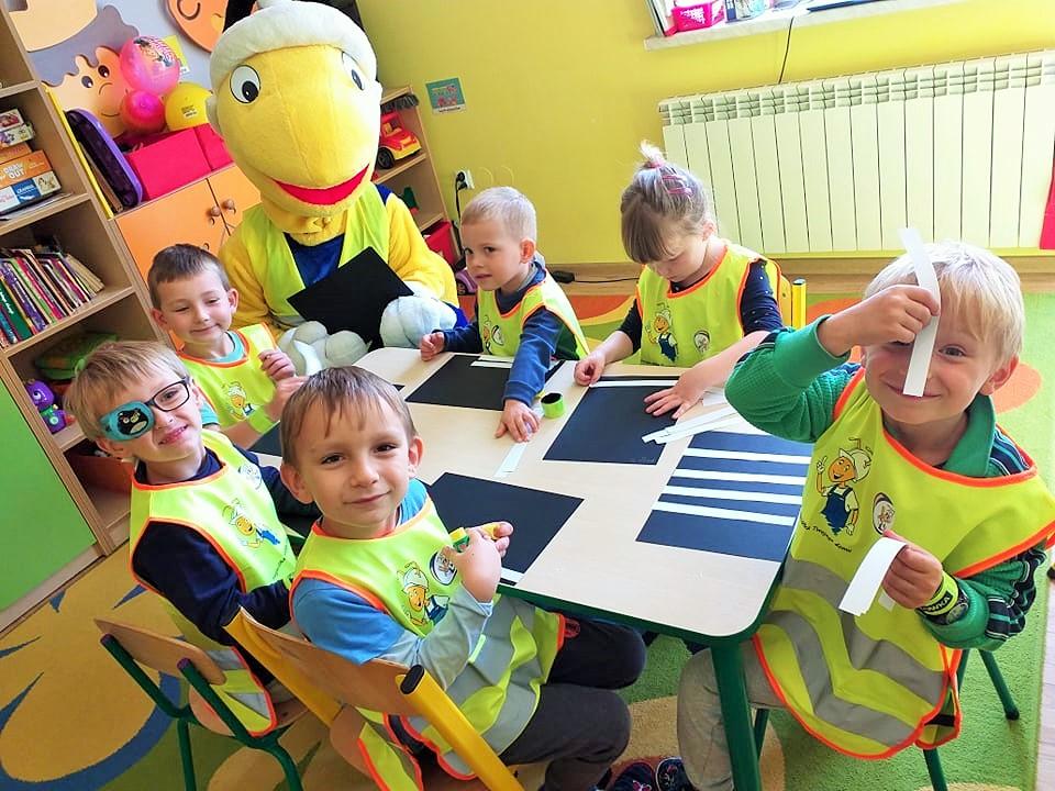 akcja-edukacyjna-dla-dzieci-z-mrowka-myslenice