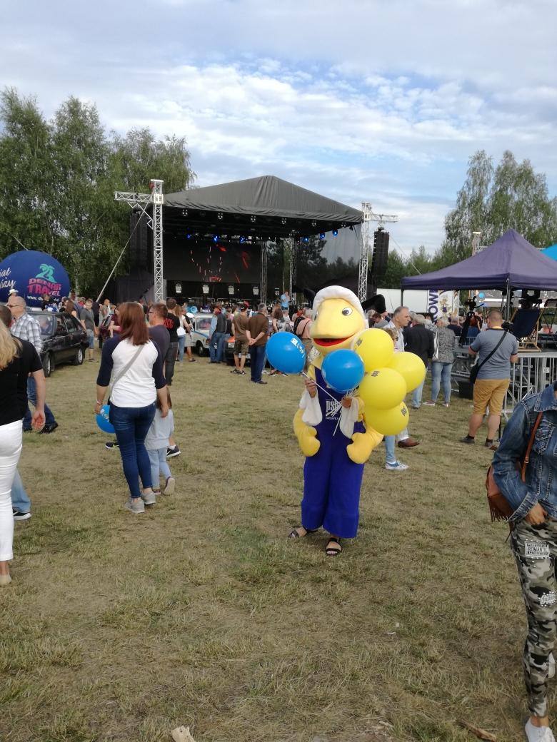 mrowka-myszkow-na-festiwalu-z-kopyta