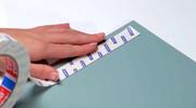Film: Szybki i prosty montaż lustra w łazience dzięki taśmie montażowej tesa Powerbond®